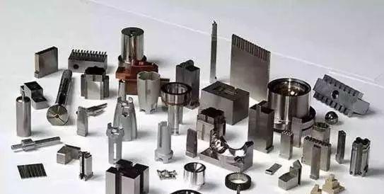 机械加工中哪些因素会造成工件变形?