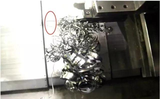 铁屑总是缠到工件上怎么办?