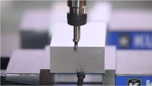CNC如何正确使用寻边器和校表来分中