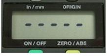 新买的数显卡尺在安装电池后显示屏出现